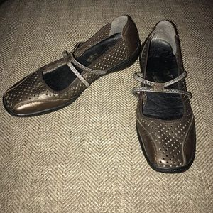 EUC Rieker Flats/ Loafer Size 37 - 7.